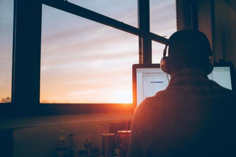Varannan småföretagare jobbar mer än 40 timmar i veckan