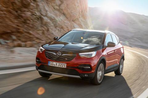 Nya Opel Grandland X Hybrid4 - Opel goes electric