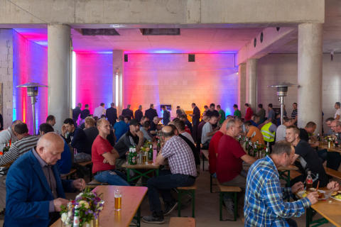 Richtfest für die ersten Gebäude der MesseCity Köln nachgeholt