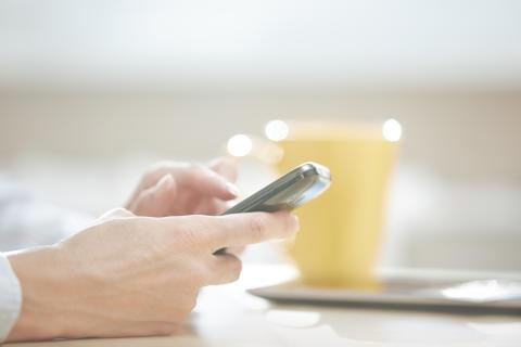 Nu bliver det billigere at ringe og sms'e fra Danmark til andre EU- og EØS-lande