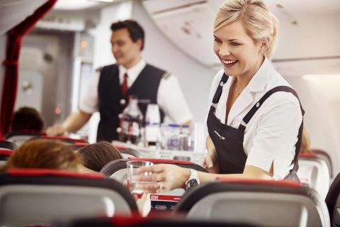 Matkustamomiehistö Norwegianin Boeing 737 8 MAX -koneessa