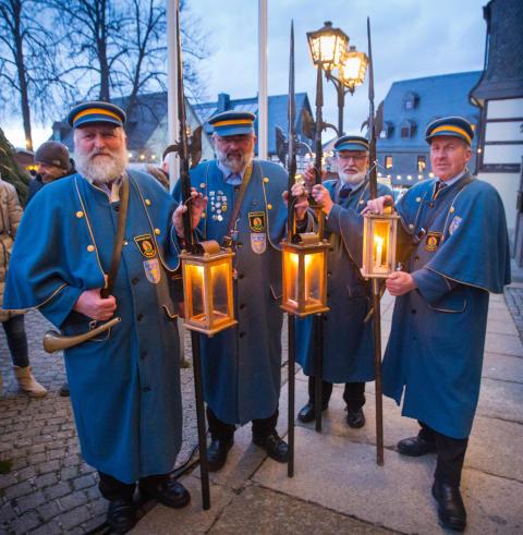 Licht aus: Ende der Weihnachtszeit wird im Erzgebirge gefeiert