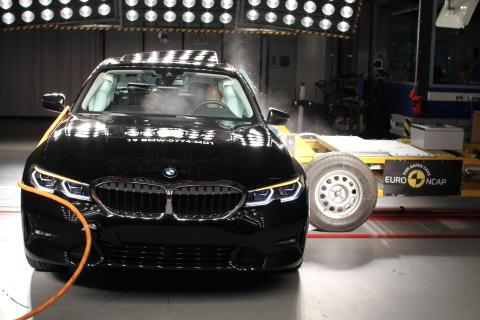 BMW 3 Series side crash test October 2019