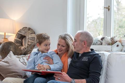 Vorsätze 2019: weniger Stress, mehr Zeit für die Familie – gutes Hören kann dabei eine wichtige Rolle spielen.