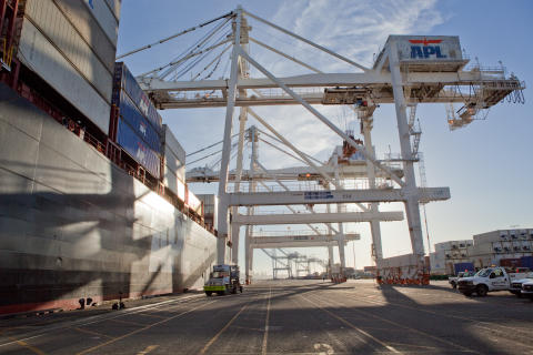 New Cavotec AMP shore power systems for Port of Long Beach and Port of Oakland
