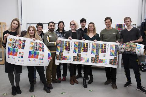 10 studerande med unika prepress- och tryckteknikskunskaper tar nu examen från Brobygrafiska