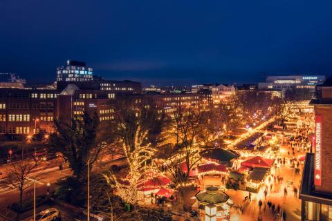 Kieler Weihnachtsmarkt Holstenplatz_Kiel-Marketing (c) Kai Kokott (1)