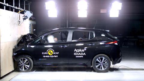 Nissan LEAF frontal full width test 2018