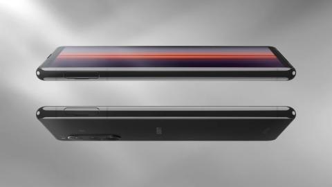 Odkrijte telefon Xperia 5 II, najbolj kompaktnega člana družine Xperia s tehnologijo 5G, ki pomika meje fotografije, iger in zabave