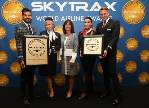 """Norwegian premiata nuovamente come """"Miglior compagnia aerea low-cost lungo raggio al mondo"""" e , """"Miglior compagnia aerea low - cost in Europa""""."""