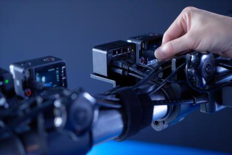 Sony najavlja nove razširjene 'multi-view' možnosti fotografiranja za kompaktni fotoaparat RX0