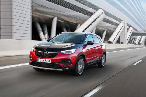 Opel-Grandland-X-Hybrid4-506690
