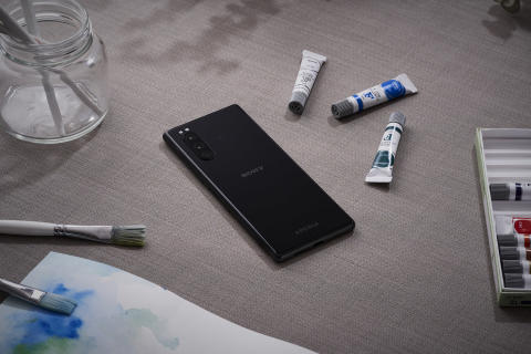 Xperia 5_Insitu_Black