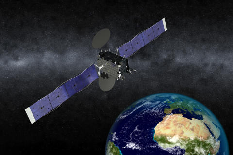 Eutelsat punta su Airbus Defence and Space ed Orbital ATK per un nuovo satellite a 5°Ovest