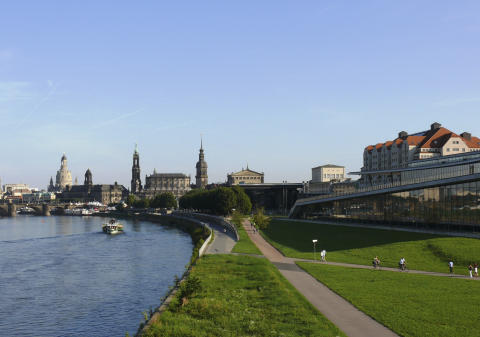 Maritim Hotel Dresden situated right on the river Elbe
