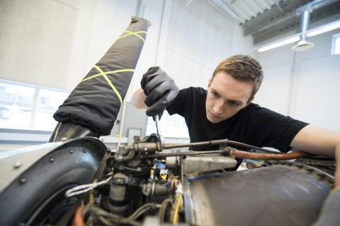 Flyteknikeruddannelsen tættere på arbejdspladserne i Jylland
