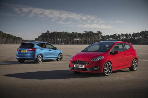 Nový Ford Fiesta ST zná svoje české ceny, nabídne samosvorný diferenciál a inovativní patentované zadní pružiny