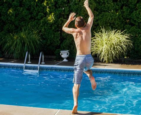 Schwimmbad-neues-Produkt-BerkePOOL-MF14.jpg