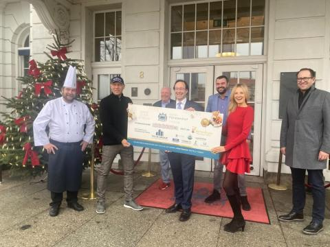 """""""Gans ohne Stress"""": Hotel Fürstenhof sammelt mit Leipziger Unternehmen knapp 60.000 Euro fürs Kinderhospiz"""