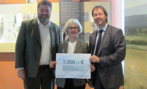 Bayernwerk spendet an Museum Quintana in Künzing