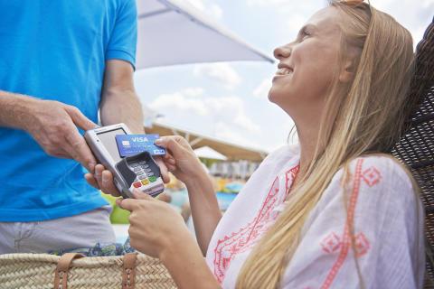 Bezahlen mit Visa im Urlaub