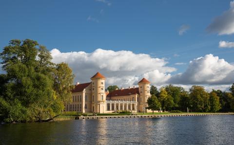 Kultur mit Seeblick und in historischen Städten