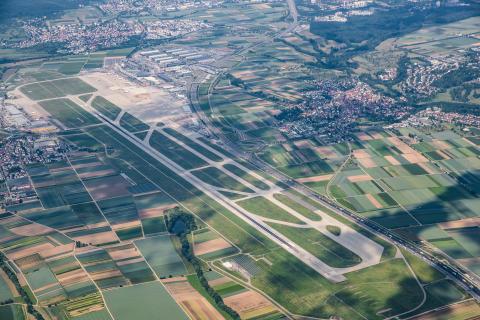 Luftbild Runway Flughafen Stuttgart