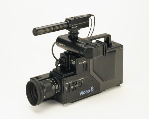 Sony CCD-V8