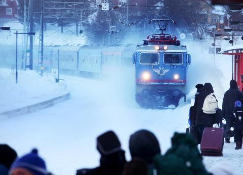 Ökad punktlighet och färre inställda SJ-tåg