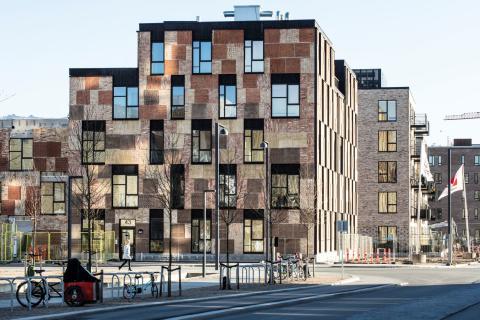 Ressourcerækkerne i Ørestad Syd er opført af. bl.a. upcyclede mursten fra Carlsberg