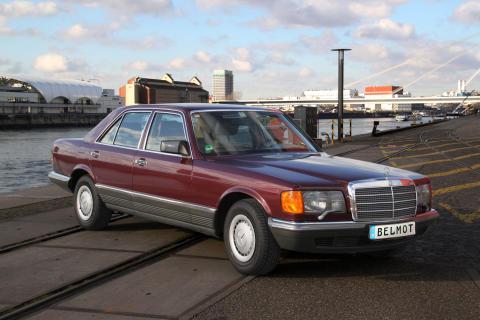 Glänzender Auftritt: Unrestaurierter 380 SE strahlt im ersten Lack von 1985