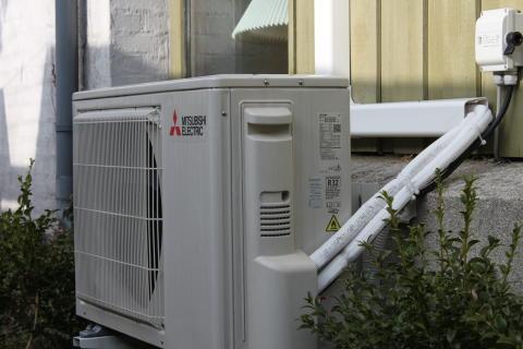 Grundbeløbsindsats: Leverandører af varmepumper på abonnement kan nu søge om prækvalifikation