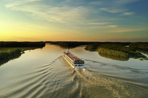 Fred. Olsen celebrates successful second 'Brabant' river cruise season with great-value 'Tours, Dining Drinks & Tips' offer in 2020