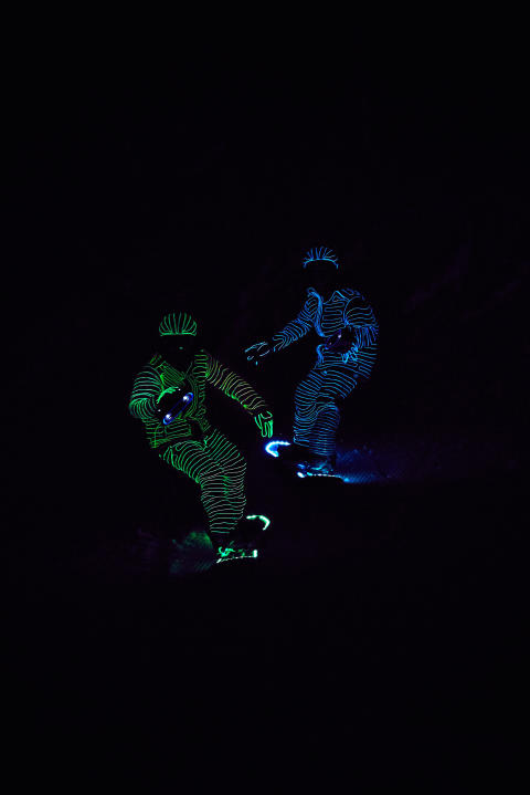 BUCK_LED_Snowboarders07