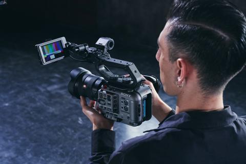 Sony își extinde gama Cinema Line și lansează camera profesională full-frame FX6