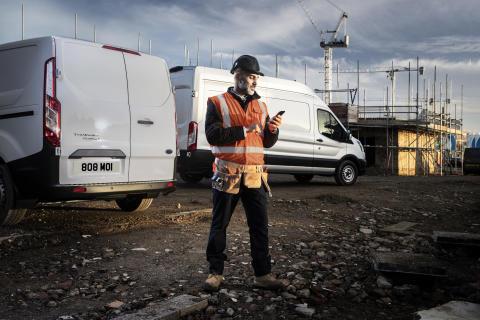 Ford nyní ve standardní výbavě užitkových vozů nabízí palubní modem připojený k internetu