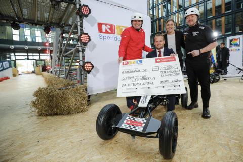 Spendenübergabe an die Stiftung RTL - Wir helfen Kindern e.V.