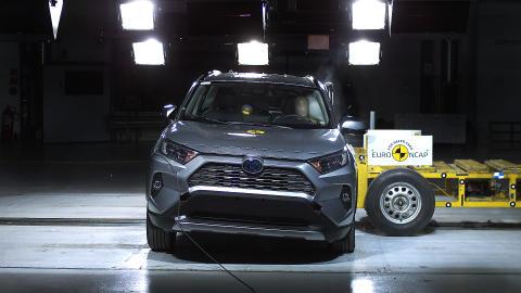 Toyota RAV4 Side crash test May 2019