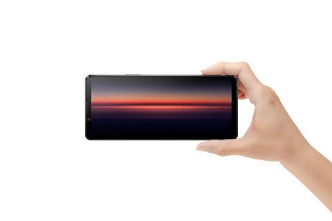 Xperia 1 II, noul flagship Sony construit pentru viteză, este primul  smartphone din lume cu fotografiere în rafală până la 20fps  cu tracking AF/AE  și conectivitate 5G pentu o experiență de divertisment completă