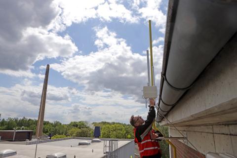 Insgesamt elf solcher LoRaWAN-Antennen wurden bisher in Braunschweig installiert.