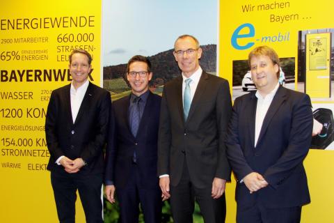 Rehau und Bayernwerk feiern 20 Jahre Strompartnerschaft