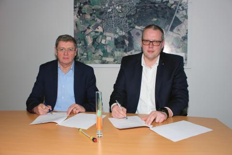 Sechs kupferfreie Glasfaseranschlüsse für städtische Liegenschaften - Stadt Dinklage schließt Vertrag mit Deutsche Glasfaser