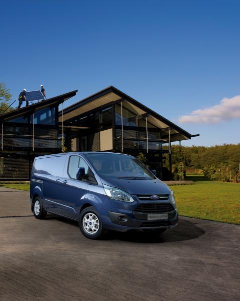 Ny Ford Transit Custom gir mer eleganse og funksjonalitet til klassen for 1-tonns varebiler