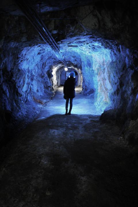 Sickla ovan under jord - Visning av gruvan