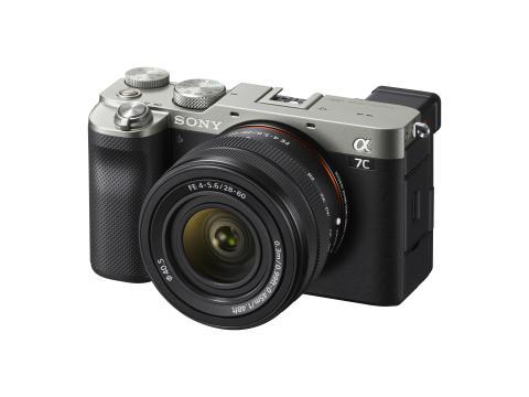 Společnost Sony představuje fotoaparát Alpha 7C a zoomovací objektiv, které dohromady tvoří nejmenší a nejlehčí  fullframový systém na světě