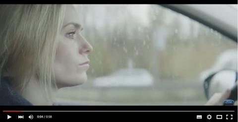 Laura Christensen er perfekt uden filter i viral film fra Ford.