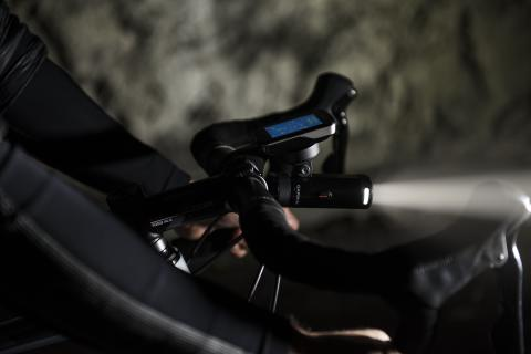 Varia UT800: le nouvel éclairage intelligent pour vélo de Garmin