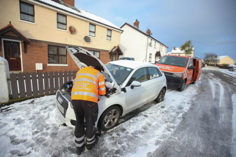 Drivers neglect of basic car checks increases  chances of a freezing winter breakdown