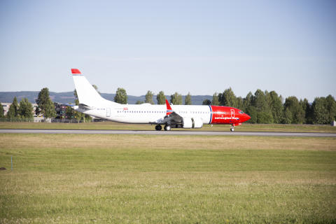 Norwegian's first ever Boeing 737 MAX lands at Oslo airport