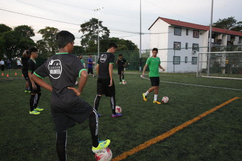 Epson and Geylang International Football Club Host Football Clinic for Lakeside Family Services Team in Preparation for Epson Youth Challenge